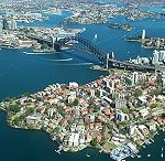 220px-Sydney_Harbour_Bridge_from_the_air